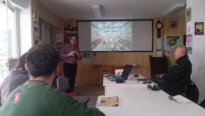 Federico en el CS La Soleá de la Asamblea 15M San Pablo. Hablar de nutrición es hablar de desigualdad. Aprender a priorizar el presupuesto familiar.